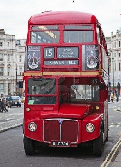 double decker (www.123rf.com).jpg-709297